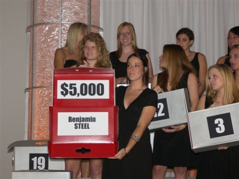 "Wittenberg students assist with ""Deal or No Deal"" event at 2009 Golden Leaf Gala"